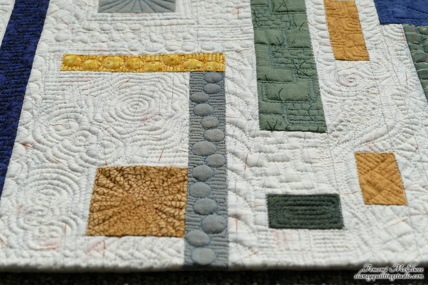 https://slaneyquiltingstudio.com/wp-content/uploads/2019/01/neibourhood-quilting-01.jpg